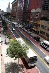 bus lanes on livingston street