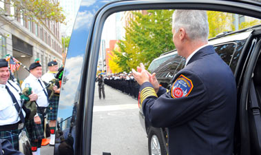 Edward Kilduff was applauded by hundreds of FDNY staff as he left Headquarters for the last time as Chief of Department.