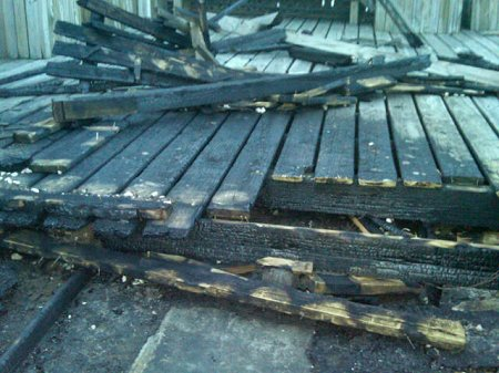 View of the charred deck material at East Houston Street.